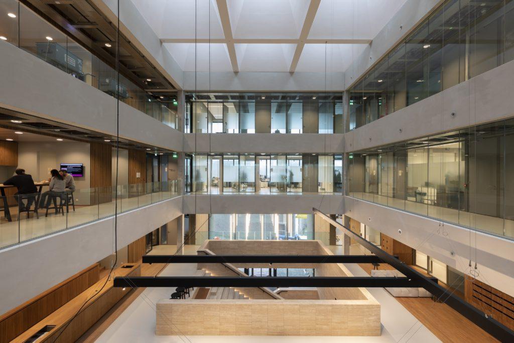 Opening Matrix VII, een nieuw laboratorium/kantoorgebouw op Amsterdam Science Park